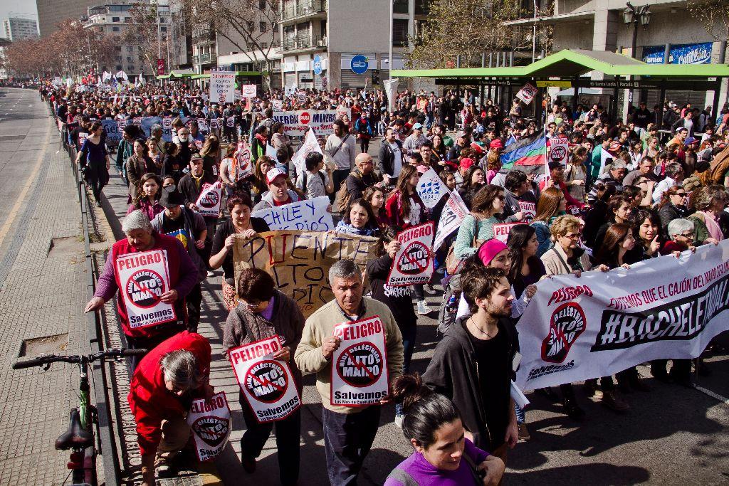 Marcha contra el proyecto Alto Maipo