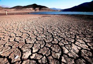 Crisis hídrica en 2025: Chile no cuenta con infraestructura ni ley de protección de Glaciares