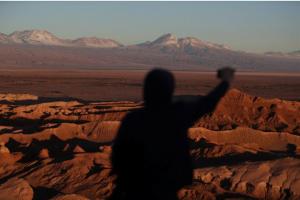 Pelea entre productores de litio devela incertidumbre sobre el agua en vital salar chileno