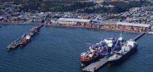 Pescadores realizan millonaria demanda en contra del Puerto de Coronel por contaminación en la bahía