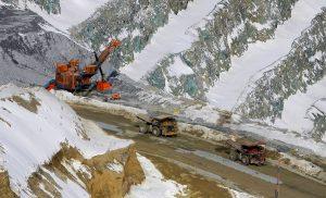 Estudio compara avance de la minería en el retroceso de los glaciares durante las últimas décadas