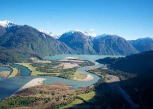 Inédito acuerdo: Hidroeléctrica cede derechos de agua para futura reserva del río Puelo