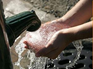 San Felipe: alcalde (s) llama a la calma ante posible contaminación del agua por vertedero