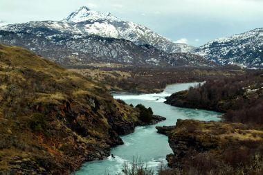 Ejecutivo fija plazo para nuevo Código de Aguas y discute cambio constitucional