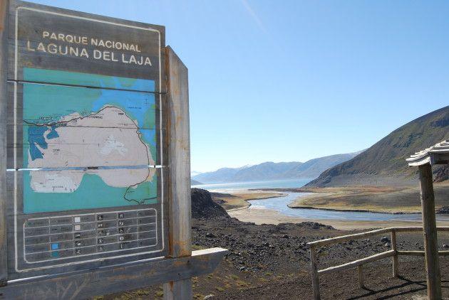 Acceso a aguas de lago Laja