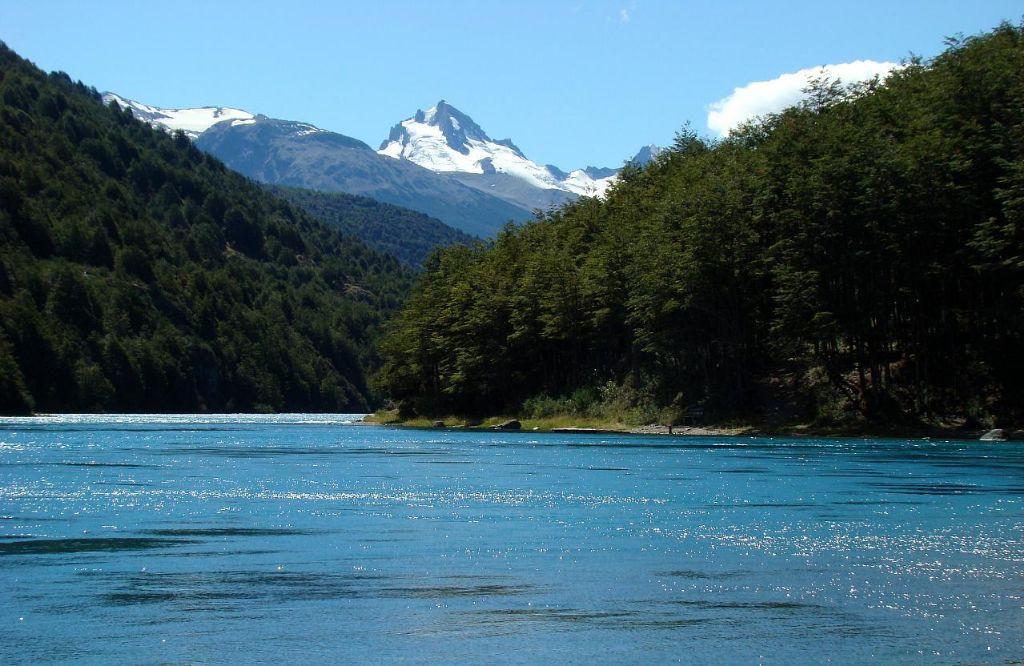 Diputados proponen reforma constitucional que consagra el dominio público de las aguas