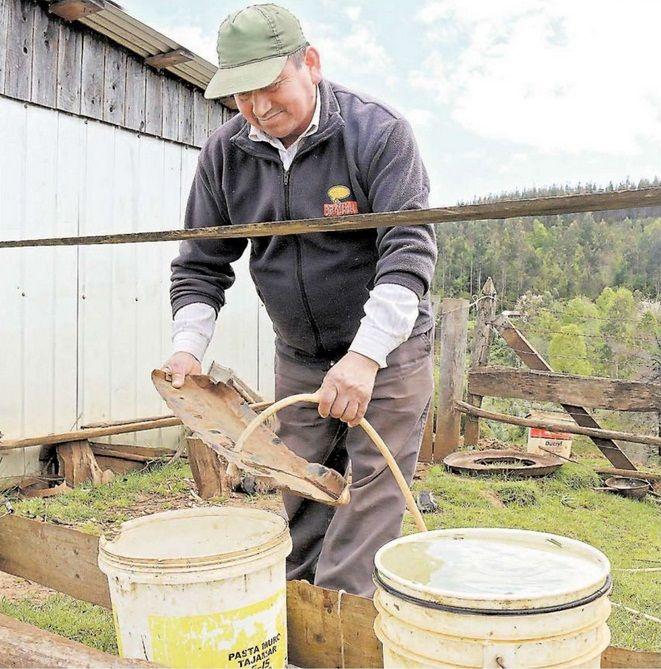 Familias recolectan agua de lluvia para su consumo doméstico