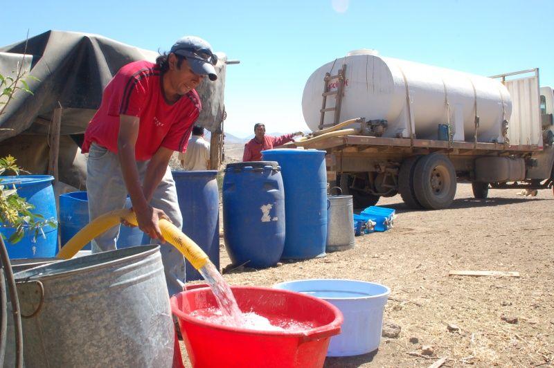ONU: Chile debe dar prioridad a los derechos al agua y a la salud antes que los intereses económicos