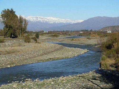 Acusan a Anglo American por trasvasije de agua desde Río Aconcagua