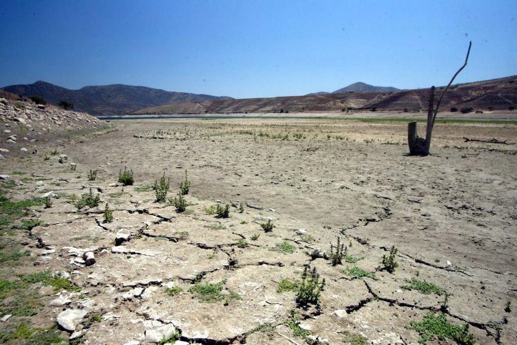 Denuncian que Perez Yoma y otros políticos roban agua