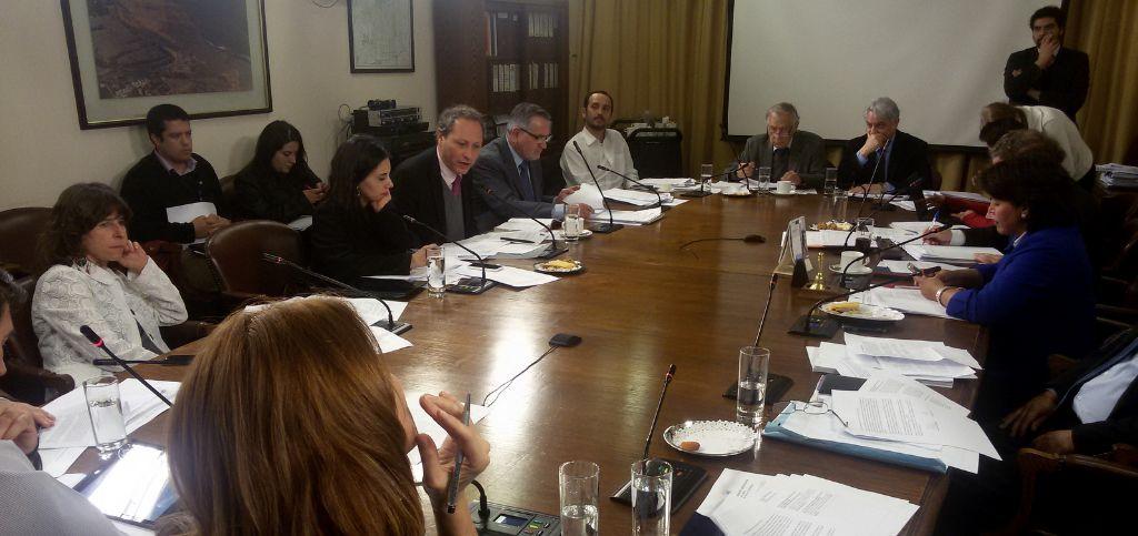 """Comisión de Recursos Hídricos de la Cámara termina con privilegio de las """"aguas del minero"""""""