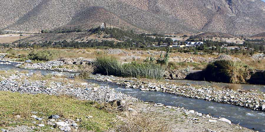 Estudio asegura que un 68,5% de los chilenos viven bajo sequía