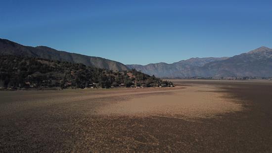 Laguna seca de Aculeo deja en evidencia las terribles heridas de la crisis climática