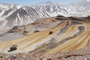 """Sindicatos mineros llaman a """"todos los trabajadores a estar alerta"""" ante proyecto de glaciares que destruiría 32 mil empleos"""